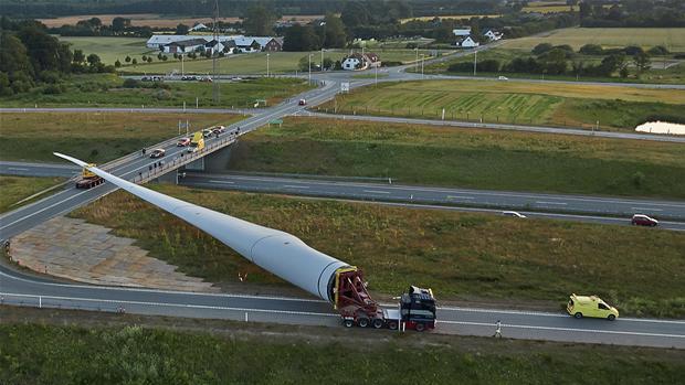 Se billederne gigantiske vindm 248 llevinger indtager de danske veje