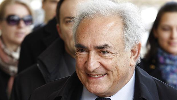 Udland To prostituerede dropper pengekrav mod Strauss Kahn artikel
