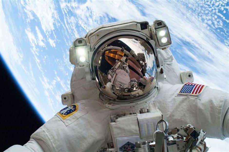 nasa-astronaut-mike-hopkins-2966496.jpg