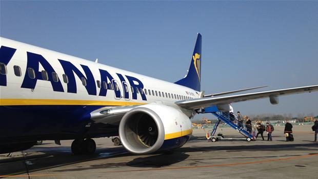 Ryanair lukker basen i Billund | Ligetil | DR