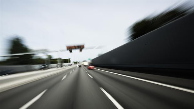 hoej_fart_motorvej.jpglene.jpg