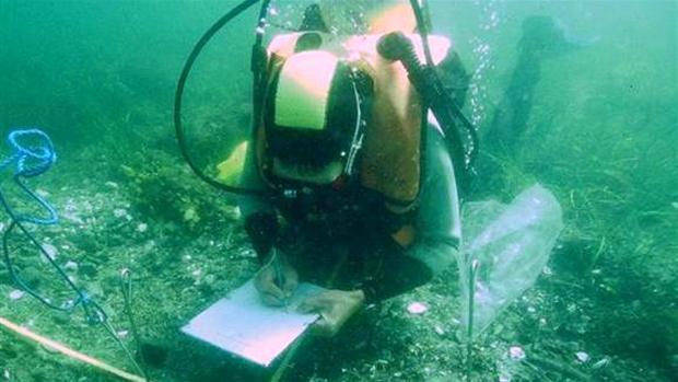 amatoer_arkaeologi_dobbeltgrav_i_tybrind_vig.jpg