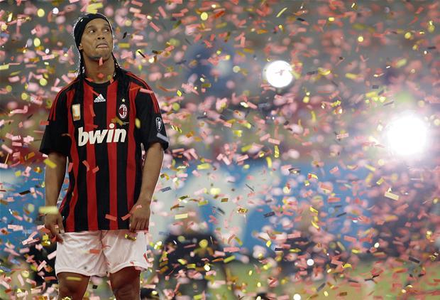 sport fodbold art Ronaldinho er tilbage for Brasilien igen
