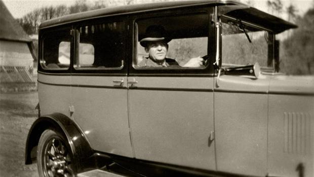 carlnielsenisinmorrisi_1928kongeligebibliotek.jpg