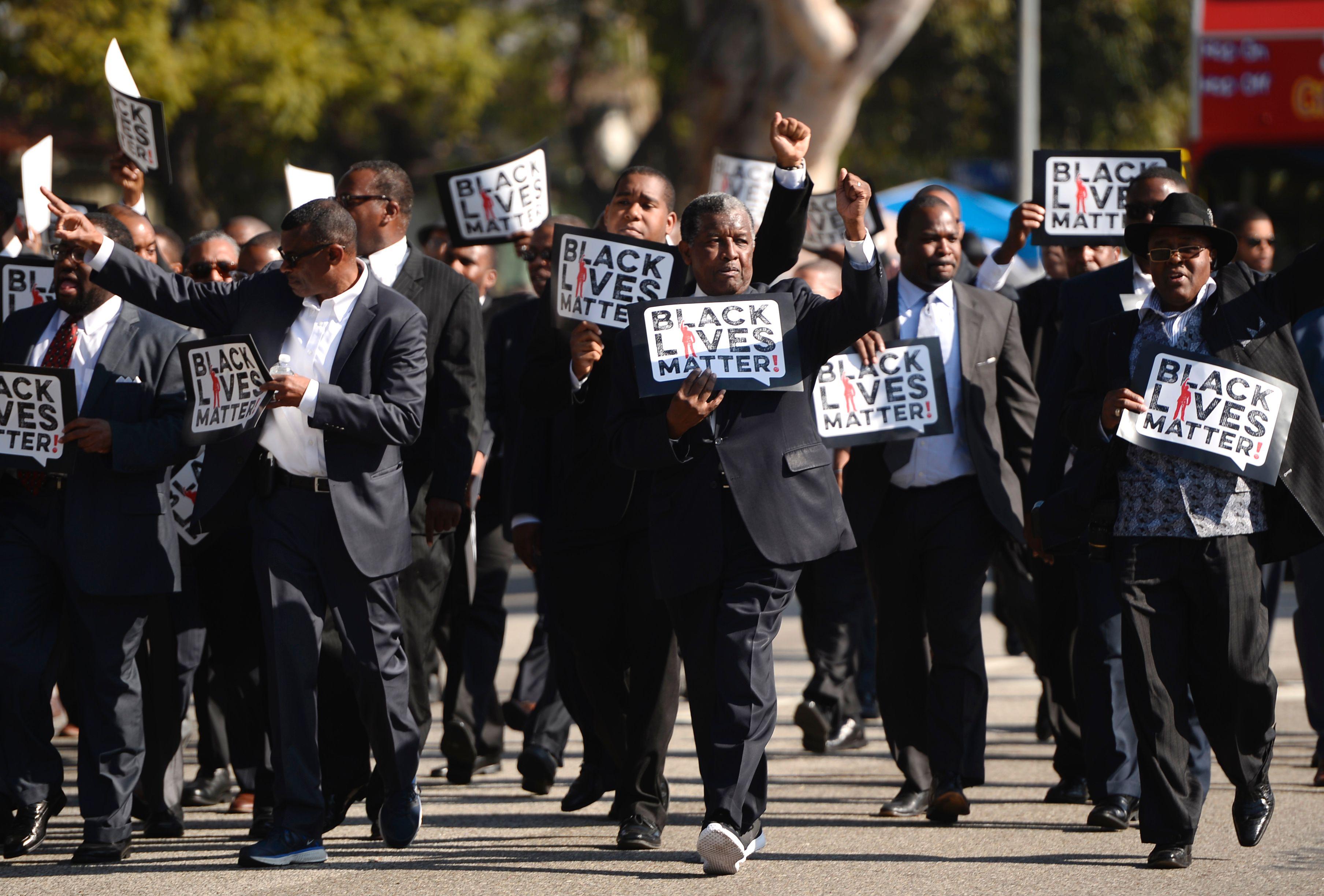 udland politistyrke i usa efterforskes for drab paa sort mand