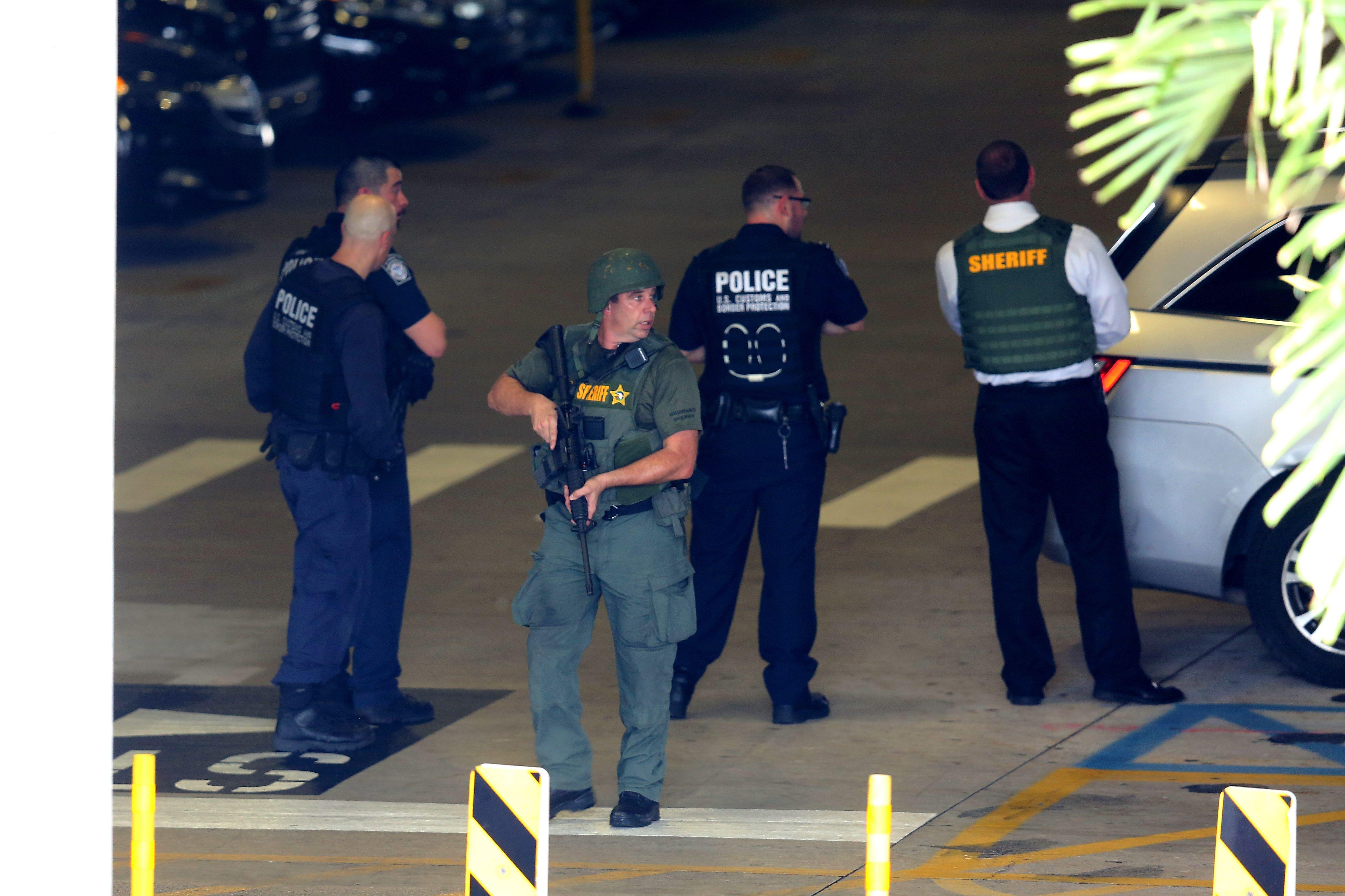 nyheder udland formodet gerningsmand fra lufthavns skyderi er irak veteran