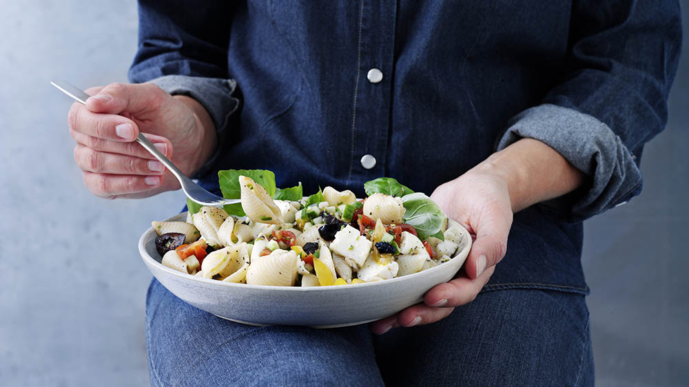 pastasalat-jamie-oliver-det-mer-bare-mad-opskrift.jpg