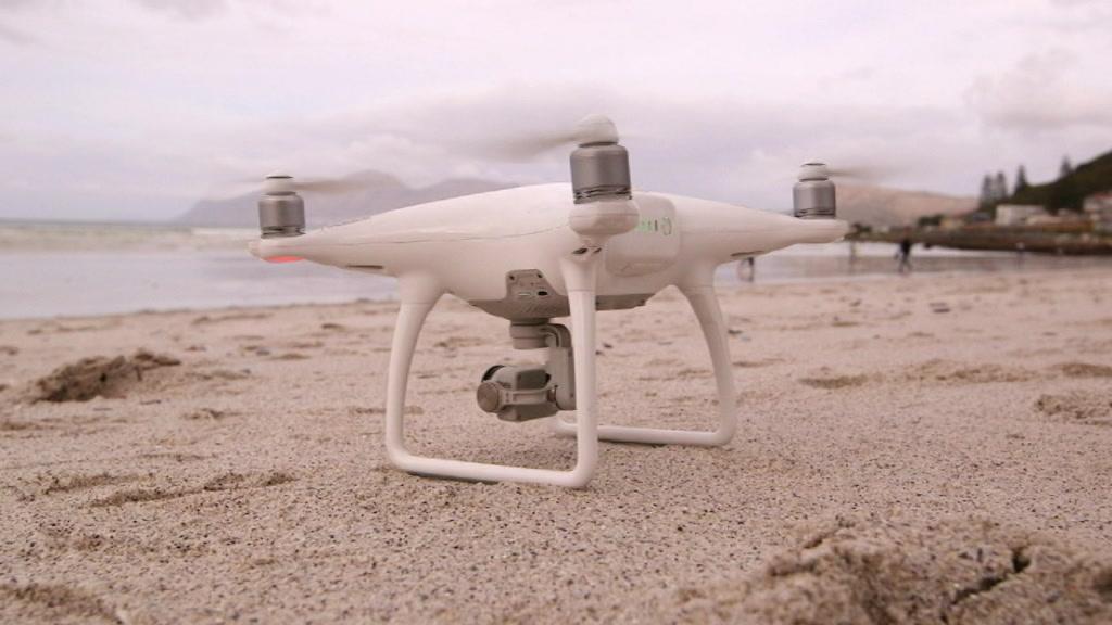 kevn_a_bureau_ev_shark_drone_protects_surfers-13.03.28.15.jpg