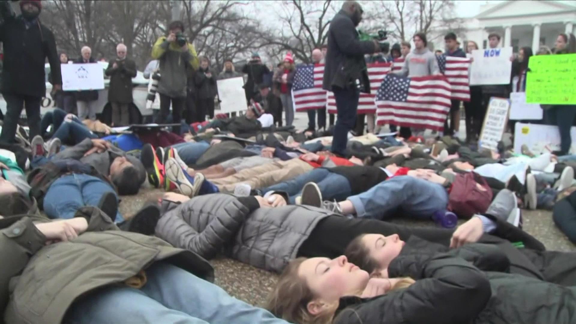 9747392_thjo_us_anti-gun_student_protest-18.23.32.20_0.jpg