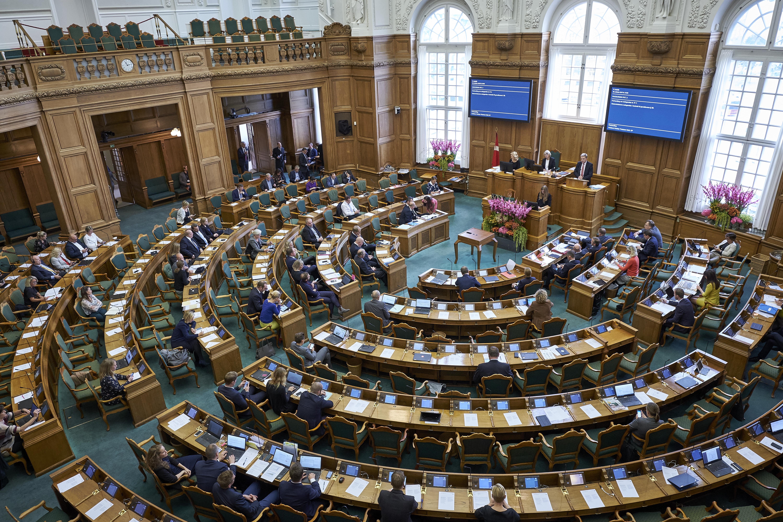 folketingssalen_christoffer_regild_debat_02.jpg