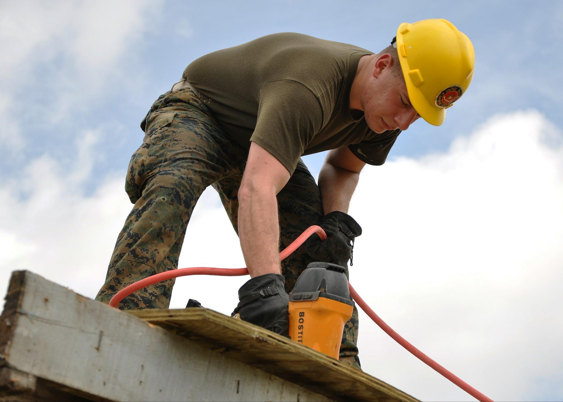 worker-635755_1920.jpg