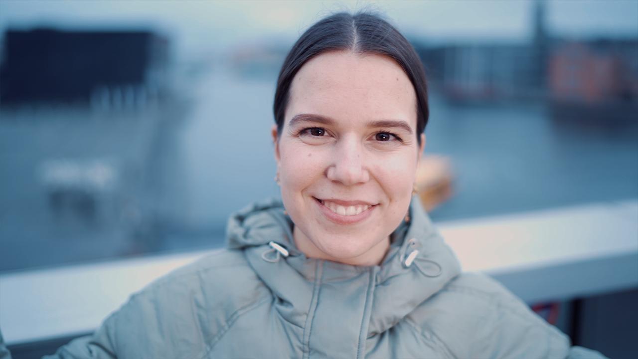 70.000 danskere følger med i Annas jokes på Instagram: 'Det er svært ikke at fornærme nogen'
