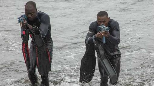Droner og kanoner: Jægersoldater og frømænd træner afrikanske kolleger