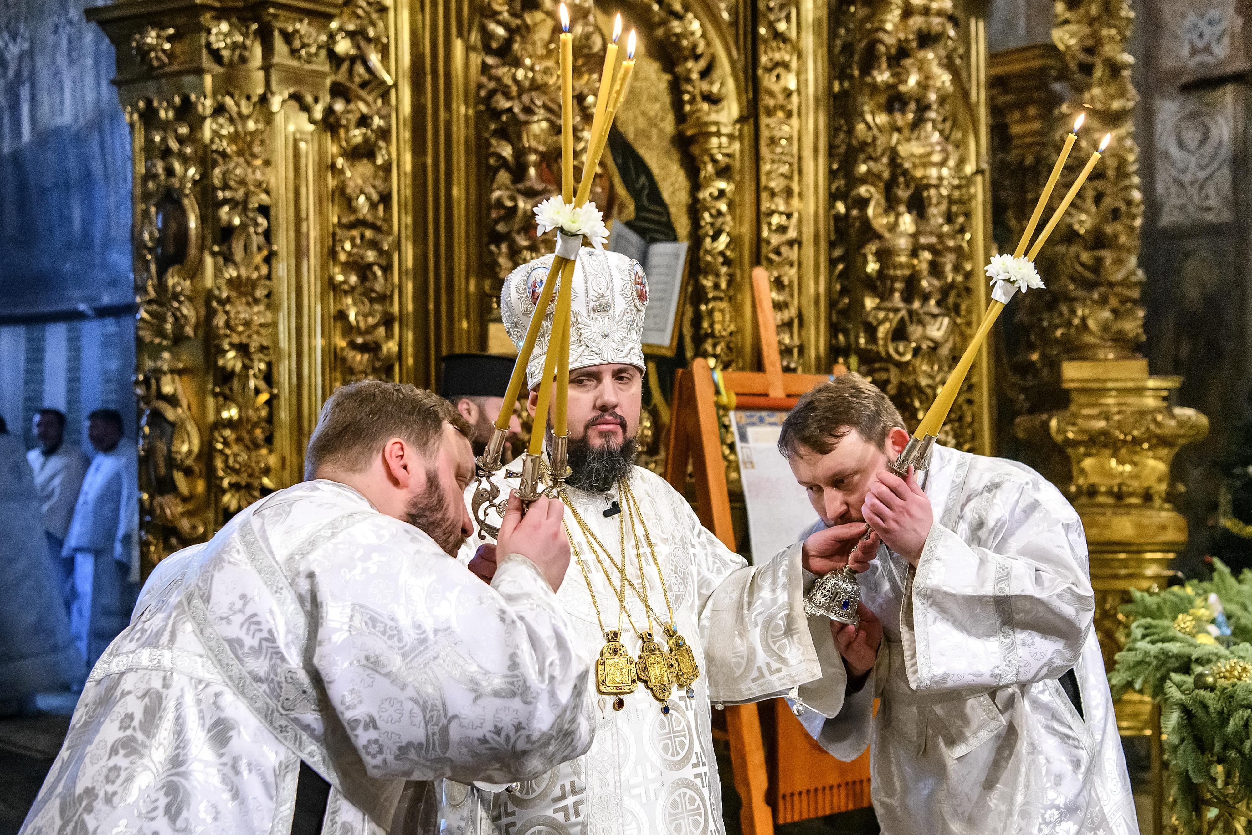 Verden ifølge Gram: Putin taber kirke-konflikt