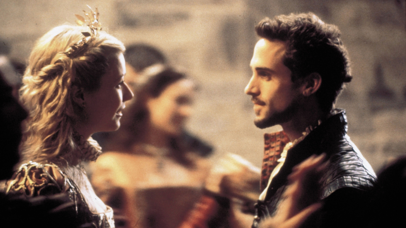 Gwyneth Paltrow og Joseph Fiennes i 'Shakespeare in love'. Foto: Universal Pictures/Scanpix.