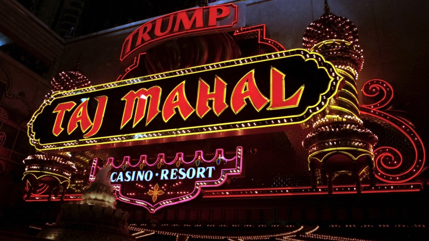 Taj Mahal-casinoet i Atlantic City kostede omkring 1,1 milliarder dollars at bygge. Foto: The Ring Magazine / Getty Images.